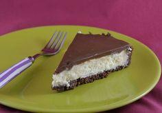 Tarte Bounty avec Thermomix, une tarte à la noix de coco et au chocolat, facile et simple à réaliser et absolument délicieux, pour les amateurs de Bounty.