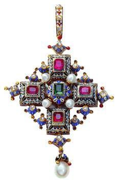 An Ernesto Rinzi pendant from 1860 to 1865, made of gold, rubies(?), emerald, diamonds, pearls and enamel.