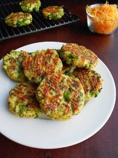 Low carb broccoli and cheese patties. Perfect for a snack for kids and adults. Healthy,homemade and yummy! Broccoli Patties, Broccoli Fritters, Fried Broccoli, Broccoli And Cheese, Broccoli Dishes, Cooking Broccoli, Broccoli Soup, Veggie Recipes, Low Carb Recipes