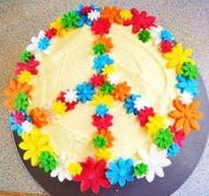 jovencita niña paz simbolo Hippy inspired Birthday cake