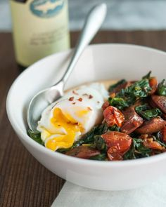 #Recipe:  Polenta Bowl with Garlicky Spinach, Chicken Sausage & Poached Egg