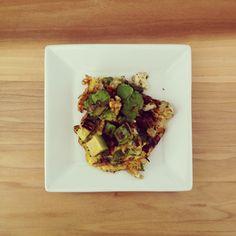 breakfast : avocado . onion . bell pepper herbed omlet
