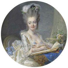 Portrait d'une jeune femme, en robe de satin blanc à la dentelle à la polonaise ornée d'arcs de soie bleue, de plumes d'autruche blanches, d'aigrettes noires, de roses roses et de feuilles dans ses cheveux en poudre, assis à une table de Louis XVI arrangée avec un drap de soie bleue, un livre et un vase avec des fleurs, ses bras reposant sur un papier à dessin, tenant un crayon, un chevalet avec un croquis en arrière-plan, 1776 Jean-Laurent Mosnier
