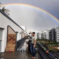 Nach einem Tag der offenen Tür und einem super schönen Abendessen unter Freunden gab es auch noch diese kleine Überraschung: Regenbogen   Mein hals tut immer noch weh aber morgen wird bestimmt alles besser! tschakka