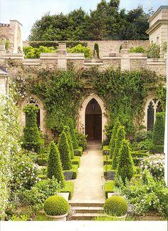 I & J Bannerman Design - Gothic Monastic Garden