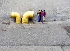 candy street - Artist Leon Keer created this candy street art display for the Malta Street Art Festival. Leon Keer titled his project 'Gummy Bear Street Art. Art Intervention, Graffiti Cartoons, Urbane Kunst, Urban Street Art, French Street, Yellow Submarine, New York Street, Fan Art, Street Art Graffiti