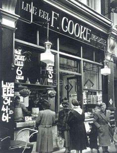 Late Cooke's Pie and Mash Shop Kingsland Road Hackney Vintage London, Old London, . Greenwich London, Camden London, East End London, Old London, Weekend In London, London Life, London Street, Victorian London, Vintage London