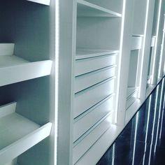 Interiores de armario luminosos. RulloStudio
