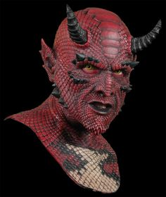Celebrating the Art and History of Halloween and Monster Masks Mythical Creatures Art, Fantasy Creatures, Ufo, Immortal Masks, Fantasy Art Warrior, Ranger, Prosthetic Makeup, Monster Mask, Sculptures