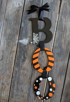 Items similar to Hand painted Boo Halloween Door Hanger Autumn and Halloween Decor on Etsy Boo Halloween, Halloween Wood Crafts, Halloween Home Decor, Halloween Signs, Halloween Projects, Holidays Halloween, Fall Crafts, Rustic Halloween, Halloween Door Hangers
