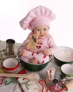 Cute Baby Pictures - History Forum ~ All Empires - Page 8 Cute Kids, Cute Babies, Baby Kids, Christmas Baby, Christmas Photos, Baby Baker, Foto Newborn, Baby Cooking, Baby Girl Photography