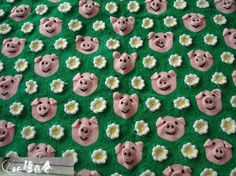 Embroidered piggies blanket.  Adorable.  (Will someone please make this for me?)