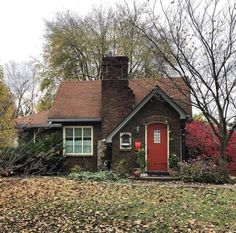 This cute brick cottage is giving me main storybook vibes. - Cottage home decor Best Tiny House, Cute House, Small House Plans, Brick Cottage, Cottage Homes, Cottage Home Plans, Tudor Cottage, Red Cottage, Small Cottages
