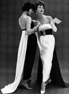 Chanel Evening Gowns, photo by John French, Vintage Glamour, Vintage Chanel, Vintage Vogue, Vintage Beauty, Vintage Dresses, Vintage Outfits, Inexpensive Prom Dresses, Sexy Evening Dress, Evening Dresses