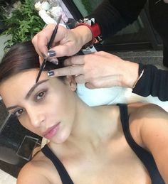 Kim Kardashian%u2019s Perfect Brows %u2014 Get Her Exact�Look