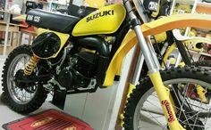 My Garage Escape Suzuki RM 125 Factory 1977