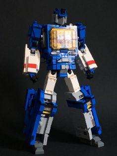 G1 Transformer Soundwave (mini figure scale / transformable): A LEGO® creation by alex wong : MOCpages.com