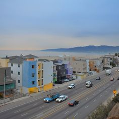 Pacific Coast Highway (PCH / CA-1) in Pacific Palisades, CA