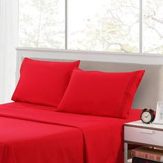 Lux Decor Collection Bedsheet Set - Brushed Microfiber 1800 Thread Count Bedding - Wrinkle, Stain and Fade Resistant - Hypoallergenic Luxury Plain Sheets- 4 Piece (Queen Size, Burgundy) Best Bed Sheets, Cheap Bed Sheets, California King Sheets, Queen Size Sheets, Bedding Basics, Beds Online, Bed Sheet Sets, Decoration, Luxury Bedding