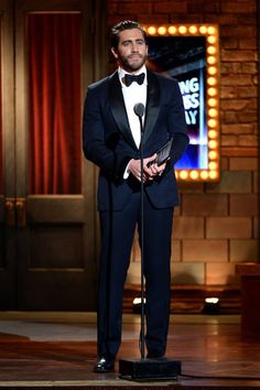Jake Gyllenhaal in Tom Ford navy blue shawl collar tuxedo #suits