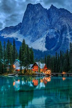 Emerald Lake in Yoho National Park, Canada. You can find the right travel companion here: www. Emerald Lake in Yoho National Park, Canada. Find the right travel companion . Corona Bonow coronabonow Bilder/Motive Emerald Lake in Y Dream Vacations, Vacation Spots, Vacation Places, Vacation Ideas, Yoho National Park, Canada National Parks, Jasper National Park, National Forest, Canada Travel