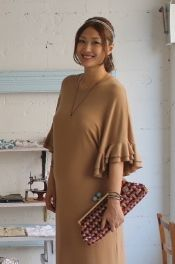 So cute pregnant woman !  AKEMI in LILY'S CLOSET. She is super model in Japan.