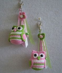 Crochet Owl Keychain Hooo wants to make these owl keychains? They're super easy to crochet and you can whip them up in no-time! Crochet Owls, Crochet Amigurumi, Love Crochet, Crochet Gifts, Amigurumi Patterns, Crochet Flowers, Knit Crochet, Crochet Patterns, Owl Patterns