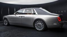 A photo gallery of the 2018 Rolls-Royce Phantom VIII photos) Rolls Royce 2017, Bentley Rolls Royce, Rolls Royce Phantom, Fast Sports Cars, Sport Cars, My Dream Car, Dream Cars, Voiture Rolls Royce, Royce Car