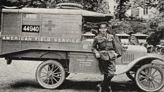 Member of the AAFS with his ambulance in the early stages of the war Ford Ambulance, American Ambulance, Old Trucks, Fire Trucks, Rescue Vehicles, Fire Equipment, Military Modelling, American Red Cross, World War One