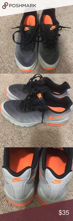 ecbb752c8e Selling pair of Nike airmax size 7. Selling a pair of used but in great