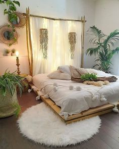Modern Bohemian Bedrooms & Home Interior Decor Ideas Bedroom Layouts, Room Ideas Bedroom, Home Decor Bedroom, Bedroom Designs, Bedroom Curtains, Bedroom Plants, Diy Bedroom, Bedroom Furniture, Zen Room Decor