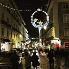 Appreciating the last days of the Christmas Season! #lisbon #chiado #walking #historiccenter #lights