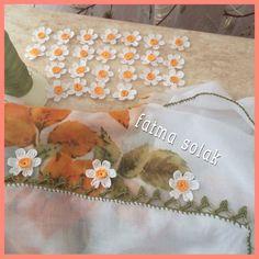 Crochet Borders, Crochet Motif, Crochet Designs, Crochet Flowers, Free Crochet, Crochet Patterns, Crochet Scarves, Blouse Designs, Crochet Projects