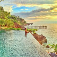 Waiting fascinating view of sunset in this amazing pool. Paradise!❤ #fascinatingbali #ayana #infinitypool #bali #sunset #summer #potd #instago #travelawesome #bestvacations #luxury ============================== Photo by @ferasantyleonardy Thanks for sharing.  NOTE : KEEP BALI CLEAN IF WANT TO REGRAM FROM THIS PAGE PLEASE MENTION @fascinatingbali & PHOTO'S OWNER. THANKS  ============================== Visit our Site (link on Bio). Keep use our hashtag to allow Us feature your moment in Bali…