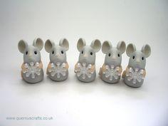Tiny Snowflake Mouse Shelf Ornament (£15)