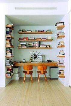 Enviable Soho loft home office library Soho Loft, Ny Loft, Home Living, Living Spaces, Living Room, Office Nook, Office Spaces, Office Decor, Office Ideas