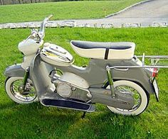 Scooter Bike, Bicycle, Puch Moped, Motor Scooters, Mini Bike, Classic Bikes, Sidecar, Cars And Motorcycles, Old Motorcycles