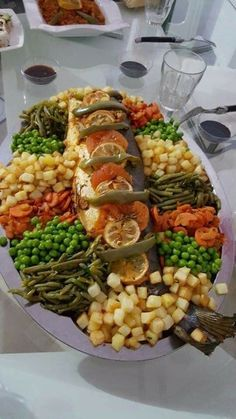 Would you like healthy desserts? Learn how you can do it Seafood Recipes, Cooking Recipes, Healthy Recipes, Healthy Desserts, Food Plating Techniques, Morrocan Food, Eid Food, Snacks Saludables, Ramadan Recipes