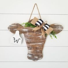 Hospital Door Hangers, Baby Door Hangers, Fall Wooden Door Hangers, Wooden Crafts, Wooden Diy, Scrabble Crafts, Wooden Door Signs, Painted Wooden Signs, Cow Head