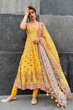 Antara set - Antara set – Celebrity Styles – Woman – Shop Source by - Indian Gowns Dresses, Indian Fashion Dresses, Pakistani Dresses, Bridal Anarkali Suits, Bridal Dresses, Salwar Designs, Kurti Designs Party Wear, Indian Wedding Outfits, Indian Outfits