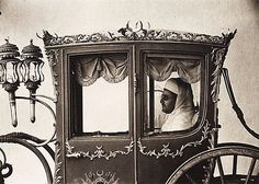 "IRVING PENN, ""The sultan of Morocco in his carriage"", 1952. Signed Irving Penn and numbered 8/17 on verso. Printed in .... - Contemporary & Design, Stockholm 558 – Bukowskis"