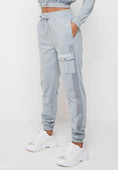Cute Lazy Outfits, Sporty Outfits, Fashion Outfits, Dress Shirts For Women, Pants For Women, Clothes For Women, Sport Fashion, Fitness Fashion, Concept Clothing