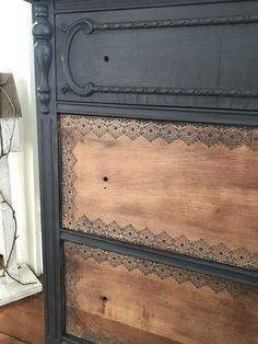 Easy Chalkpaint - One Dresser Two Ways and how to take a dresser from blah to fab. I love Chalkpaint and how versatile it is. #diy Chalk Paint Furniture, Old Furniture, Refurbished Furniture, Repurposed Furniture, Furniture Projects, Furniture Makeover, Rustic Furniture, Furniture Stores, Modern Furniture
