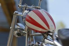Juste moi — holdfastmotorcycles: Repost @nitaantiques 🇯🇵... Motorcycle Bike, Football Helmets, Automobile, Motorcycles, Food Instagram, Rising Sun, Lake City, Choppers, Tanks