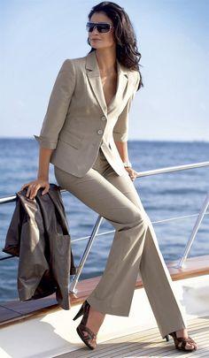 La ejecutiva moderna lady robert - grandes sastrerias robert в 2019 г. Office Fashion, Work Fashion, Fashion Outfits, Womens Fashion, Retro Fashion, Super Moda, Suits For Women, Clothes For Women, Look Blazer
