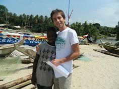 A UBELONG volunteer and new friend in Ghana!