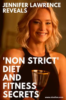 The star of Hunger Games and Red Sparrow Jennifer Lawrence shared her secrets to her diet and fitness regimen. Jennifer Lawrence Workout, Jennifer Lawrence Hunger Games, Best Weight Loss, Weight Loss Tips, Jennifer Lawrence Red Sparrow, Strict Diet, Workout Regimen, Weight Loss Motivation, Gym Motivation