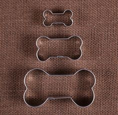 """Use our dog bone cookie cutters set to make sugar cookies or dog treats of all sizes! This set gives you 3 cutters that range in size from 1.5"""" to 3.25"""". To decorate your sweet confections check out o                                                                                                                                                                                 More"""