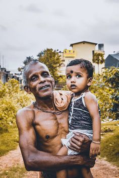 Farmer a daily rotin : the work of a faemer is very difficudifficulty Best Psychics, Fruits Photos, Love Spells, People Of The World, Man Photo, Mother And Child, Free Stock Photos, Painted Rocks, South Africa