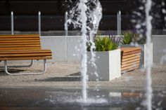 Stadtblumenkübel aus synthetischem Beton